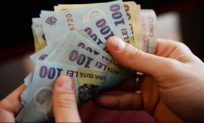 Executivul a adoptat majorarea salariului minim, din 2022