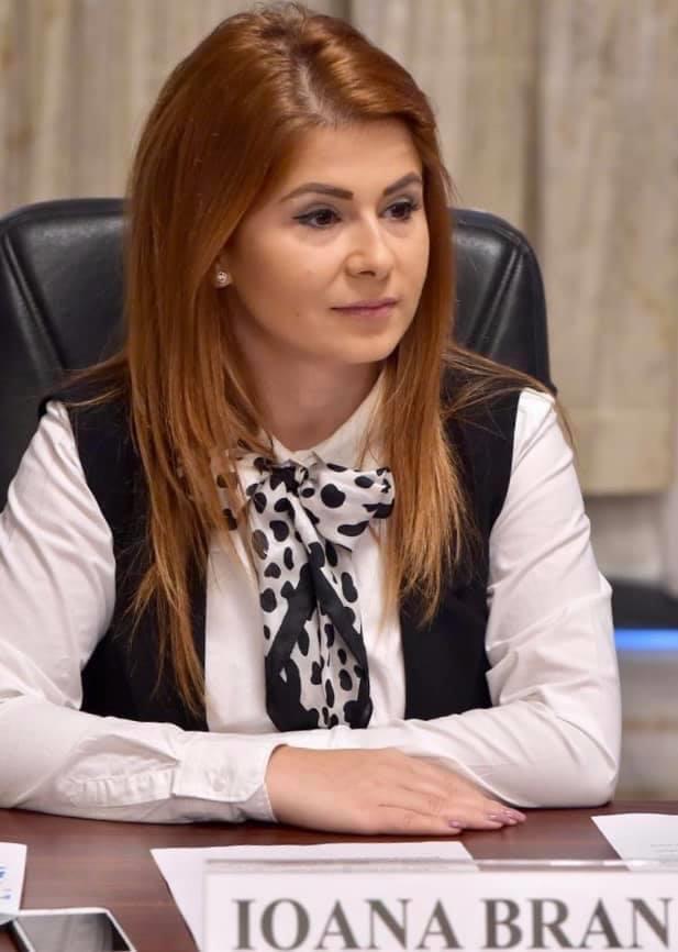 """Ioana Bran: """"Am votat astăzi pentru susținerea și protejarea raselor autohtone românești"""""""