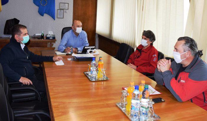 Întâlnire Salvamont-Directia Silvică la Prefectură