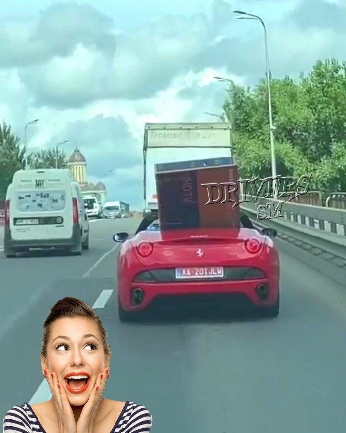 """Televizor """"plimbat"""" cu un Ferrari in municipiul Satu Mare (Foto)"""