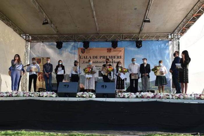 """Gala de premiere """"Luminătorii satelor"""", la a X-a editie"""