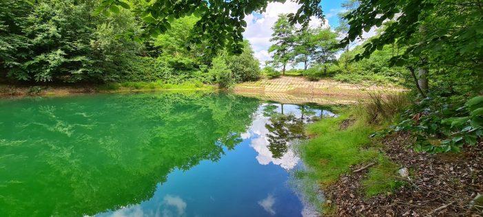 E de o frumusețe coplesitoare ! Lacul care îți fura privirea ! (Fotogalerie)