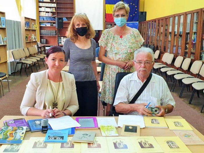 Colectie de carti donata Bibliotecii Judetene Satu Mare (Foto)