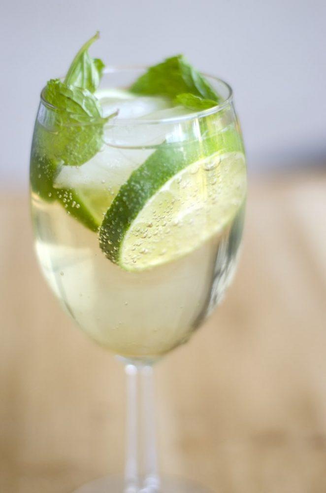Rețete de cocktail: Hugo