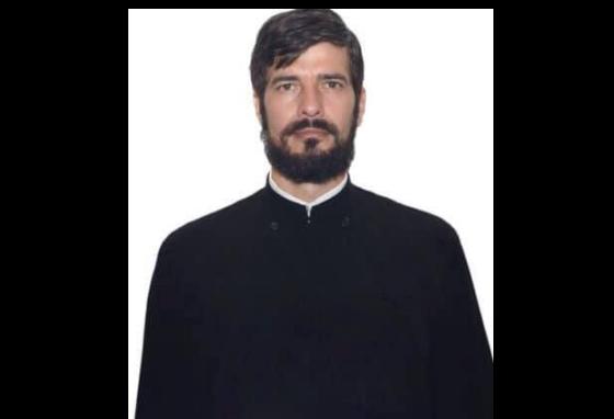 Preot, mort într-un accident. S-a izbit cu motocicleta de un trunchi de copac (Foto)