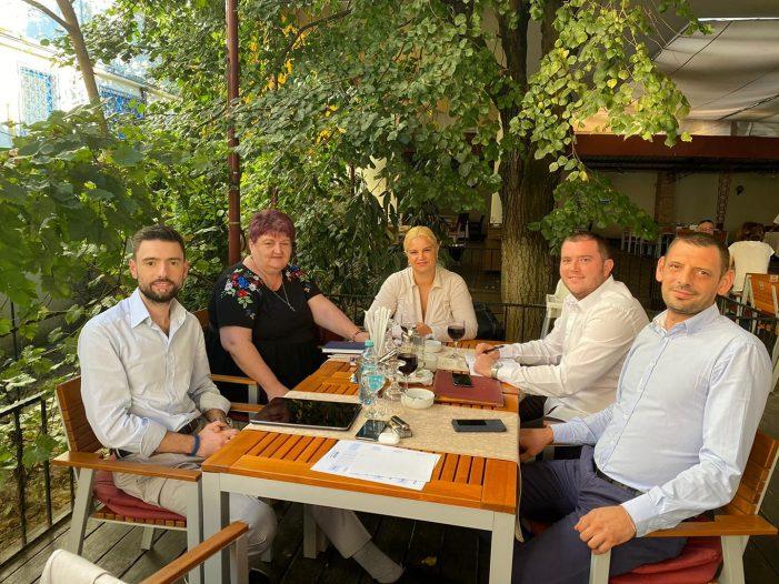 Candidatul PMP la Primaria Satu Mare, Mihai Huzau, a început întâlnirile pe marginea Master Plan-ului