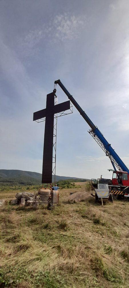 Este cea mai înaltă cruce din judetul Satu Mare. Unde a fost amplasata ? (Foto)