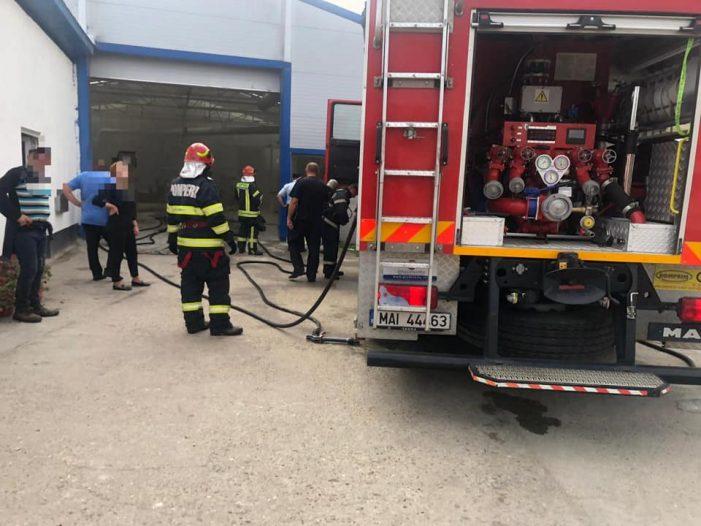 Incendiu la o hală de producție din Ardud (Foto)