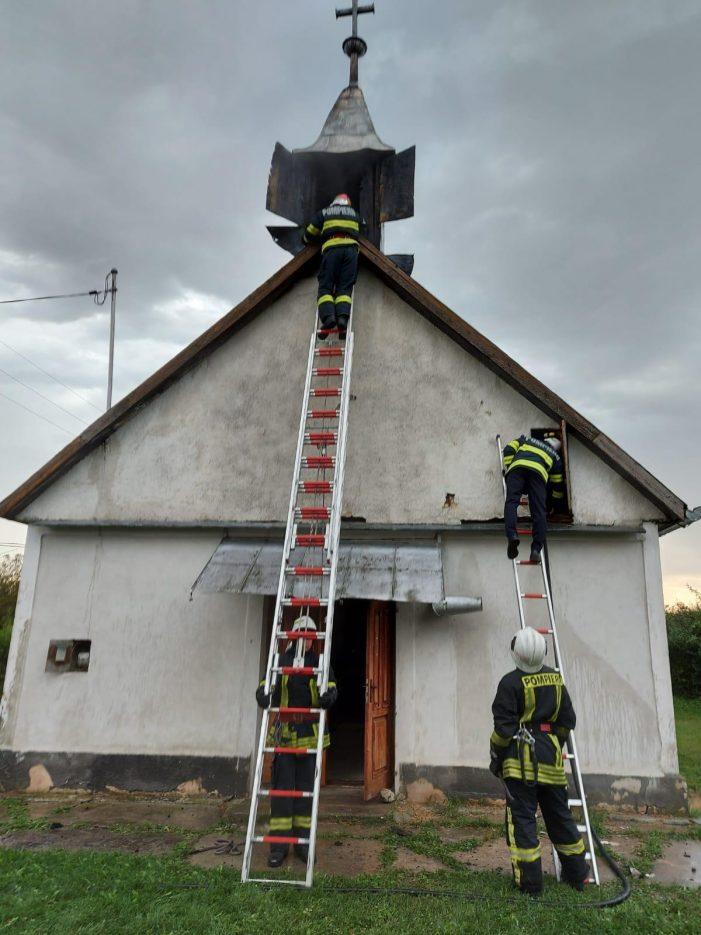 Ce spun pompierii despre biserica lovita de trasnet ? (Foto)