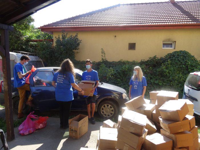 """Asociatia """"Stea"""" sprijina 110 familii din Satmarel (Foto)"""