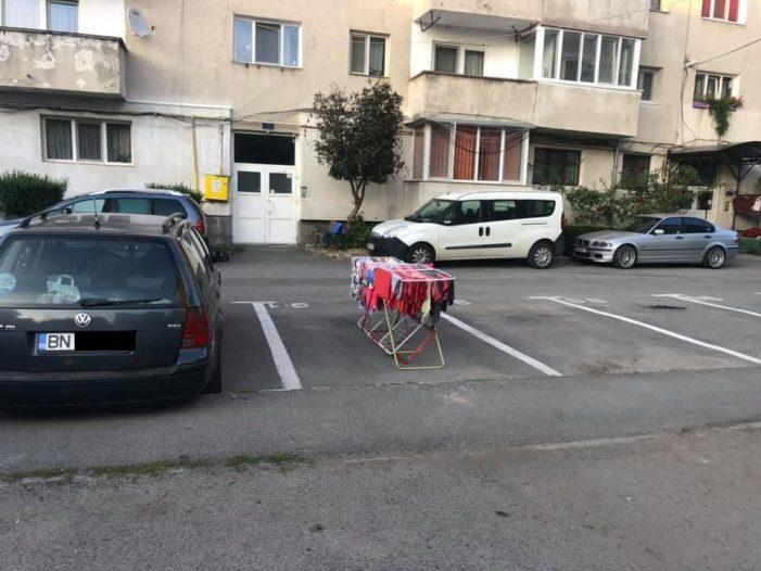 Idee inedita ! Cum își pazeste un sofer, locul de parcare ? (Foto)