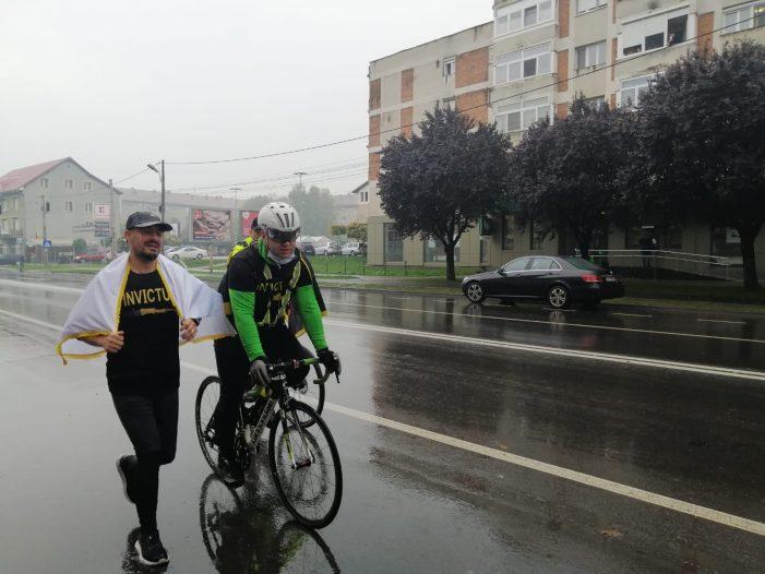 """Un jandarm din Satu Mare, alergător la """"Ştafeta veteranilor"""" (Foto)"""