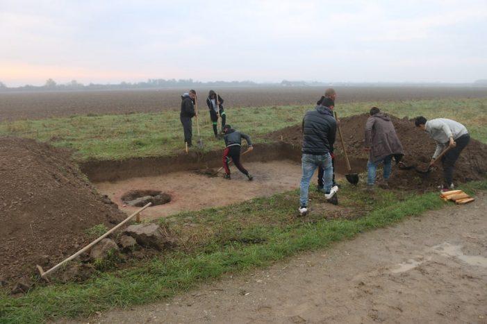 S-au reluat sapaturile arheologice la cuptoarele dacice de la Mediesu Aurit (Foto)
