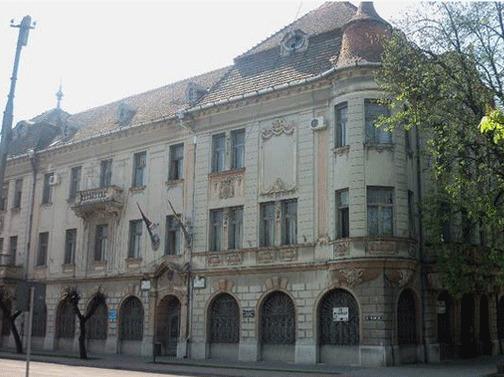 Hotel în fosta clădire a unei primarii din judet. Sediul, cumpărat de o firma controlata de Guvernul Ungariei