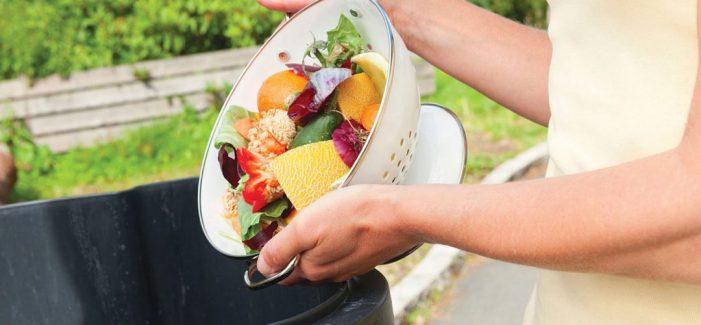 4 din 5 romani arunca mancare la gunoi