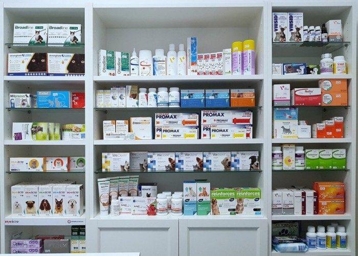 Farmaciile veterinare care nu sunt deținute de medici veterinari vor fi inchise