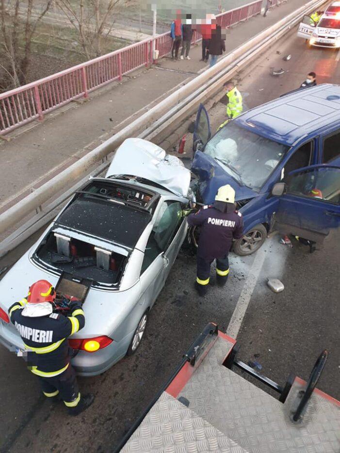Ce spun pompierii despre accidentul de pe Podul Golescu ? (Foto)