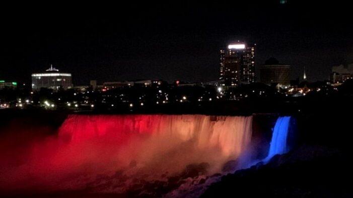 """Cascada Niagara va fi iluminată în roşu, galben şi albastru de """"Ziua Națională a României"""""""