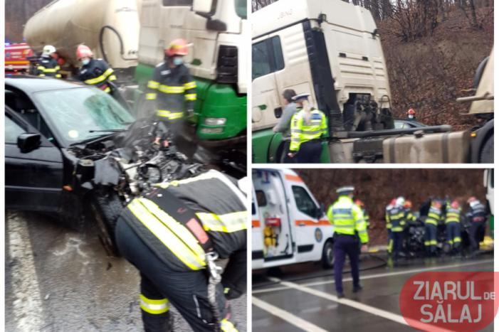 Accident mortal. Mașina condusa de o tânăra de 18 ani (Foto)