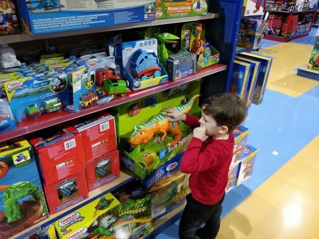 Atentie la jucariile pe care le cumparati copiilor