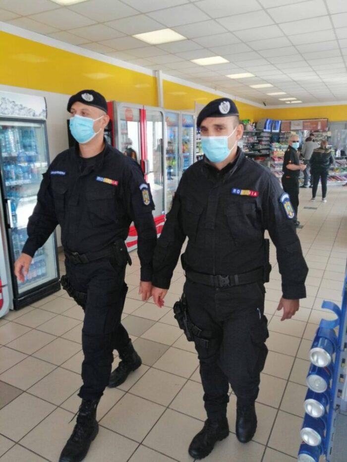 Jandarmii sătmăreni la datorie în minivacanța de Crăciun