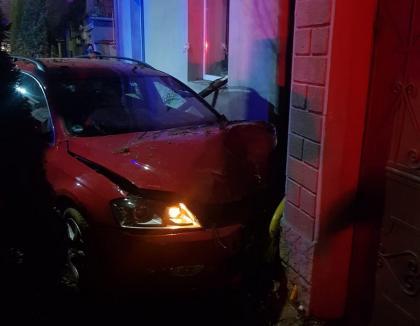 Femeie cu piciorul amputat, după ce a fost calcata de o masina pe trotuar