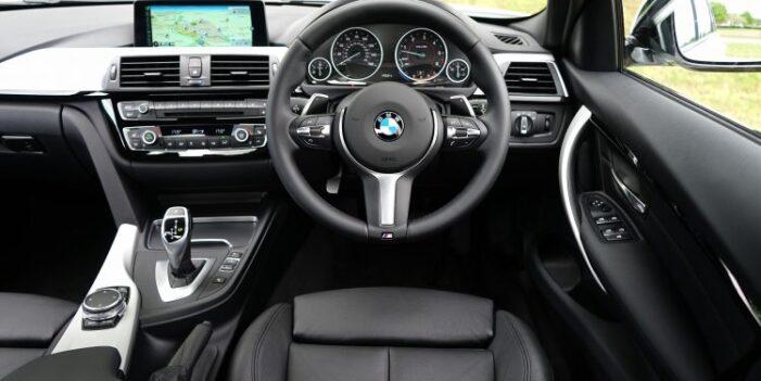 Mașinile cu volan pe dreapta nu mai pot fi înmatriculate în România de la 1 ianuarie 2021