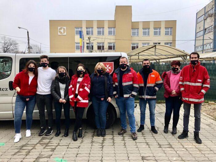Incendiu devastator. Noua voluntari din Satu Mare ajuta oamenii ramasi fara case in Miercurea Ciuc (Foto)