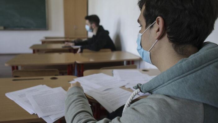 Examenele naţionale nu vor fi amanate și nici anulate