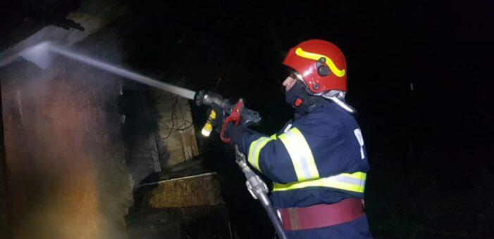Afumatorie arsa intr-un incendiu (Foto)