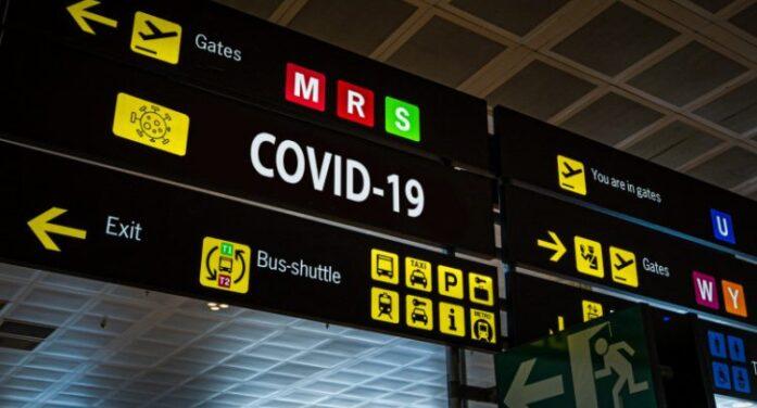Călătorii care intră în UK ar urma să stea în carantină la hotel pe banii lor
