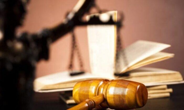 Barbatul care şi-a înjunghiat soţia în gât, arestat