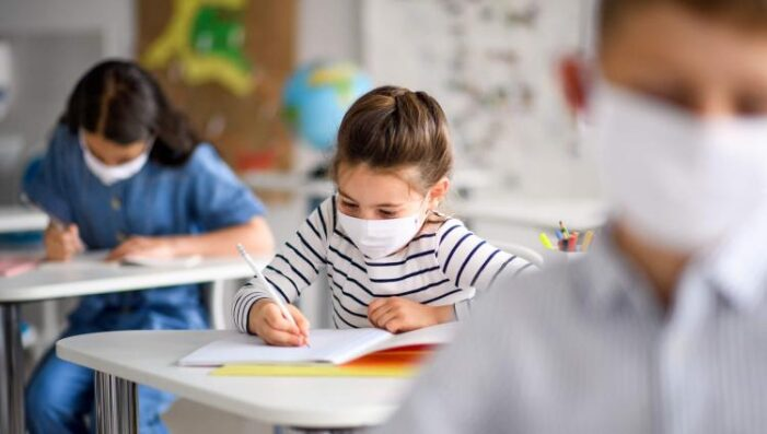 Ministerul Educației a publicat lista cu fiecare localitate și scenariul în care se încadrează