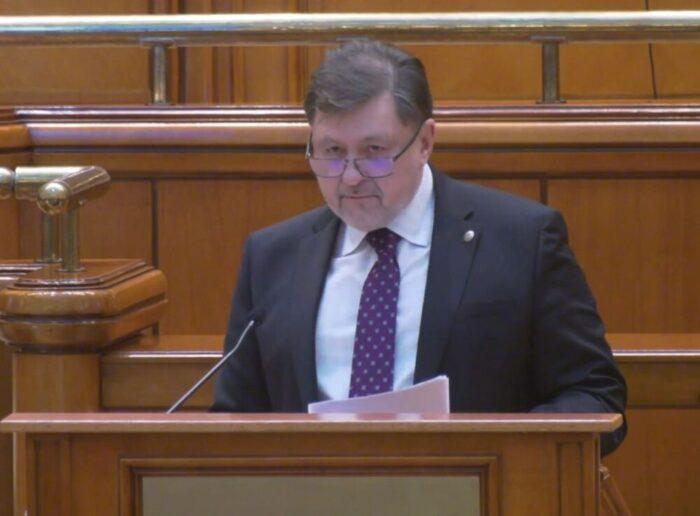 """VIDEO Alexandru Rafila a dat citire moțiunii simple """"Incompetenţa şi lipsa de asumare ucid! Vlad Voiculescu, un pericol pentru…sănătatea şi viaţa românilor"""" depusă de PSD"""