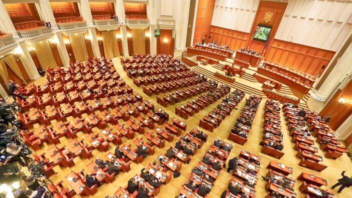 S-a votat ! Parlamentarii raman fara pensiile speciale !