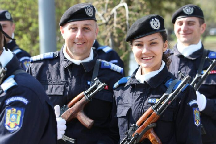 Jandarmeria: Inscrieri la scolile de subofiteri !
