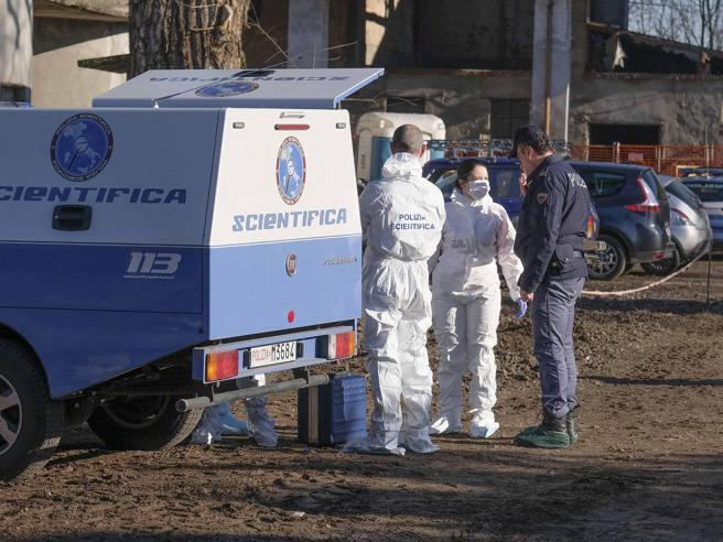 Cadavrul unui bărbat găsit în șanț. Poliția a deschis o ancheta