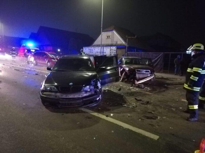 BMW din Satu Mare, implicat intr-un accident in Floresti (Fotogalerie)