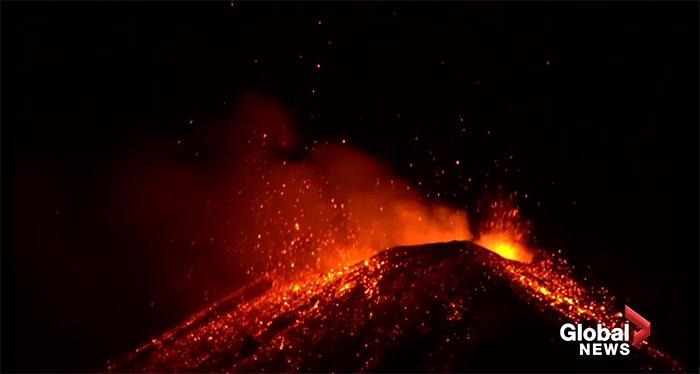 VIDEO – Vulcanul Etna erupe din nou. Imagini spectaculoase