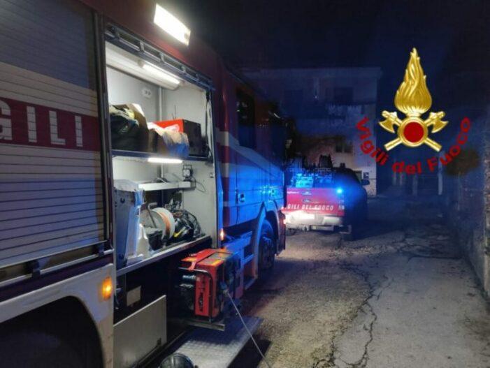 A ars de viu in pat ! Pompierii l-au găsit carbonizat !