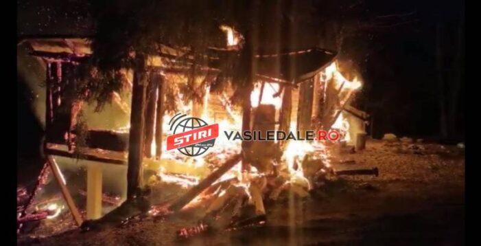 Cabana unui polițist, incendiata ! (Foto&video)