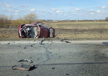 Masina cu numere de Satu Mare, implicata intr-un accident in judetul Bihor (Foto)