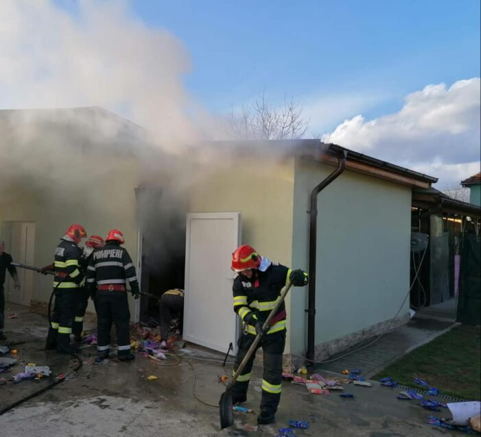 Incendiu la Negresti ! Au dat foc la o anexa gospodareasca ! (Foto)