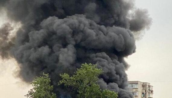 100 de tone de plastice au ars in incendiul de azi dimineata