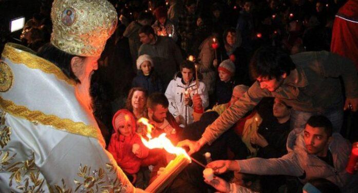Românii nu au voie în biserici, în Noaptea de Înviere. Se întâmpla pentru al doilea an consecutiv