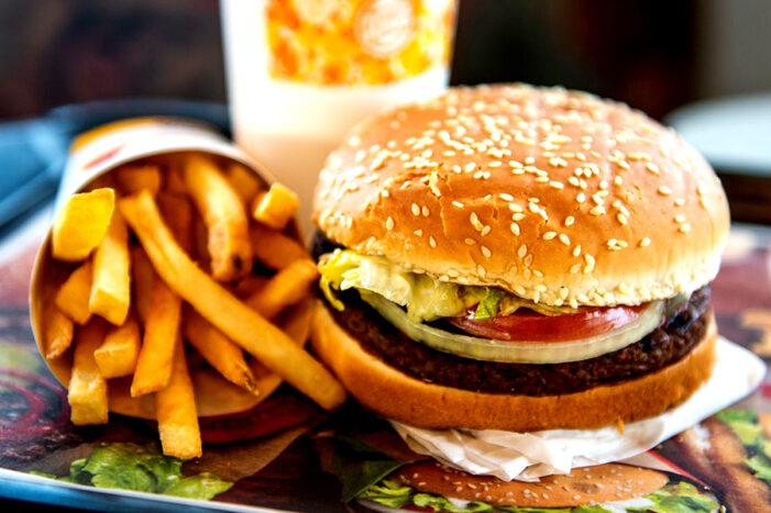 Fast-food din judet, amendat cu 10.000 de lei