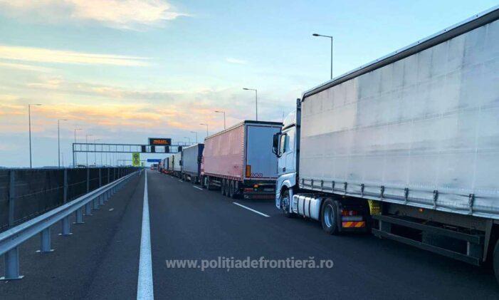 Trafic intens la graniţa cu Ungaria pentru automarfare, după restricţiile impuse de ţara vecina