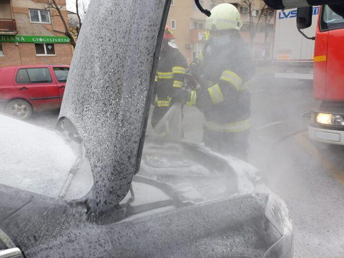 O masina a luat foc pe Careiului (Foto)