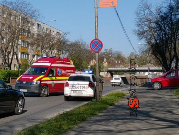 Femeie lovita de o masina, pe un trotuar din Satu Mare (Foto)