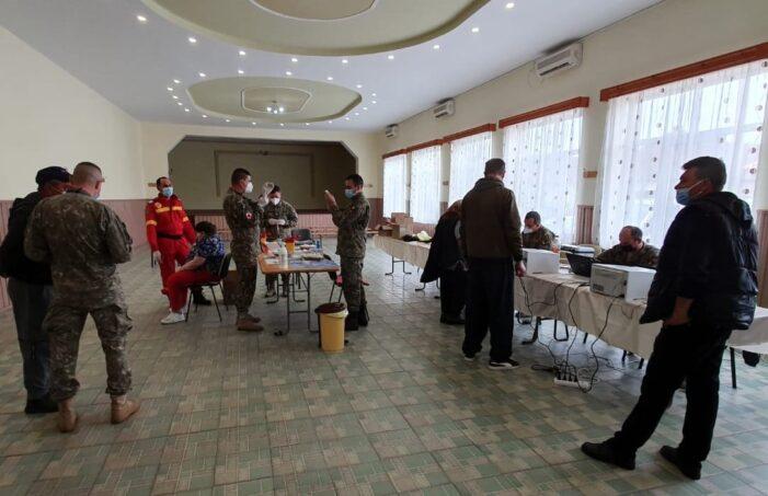 O nouă acțiune reușită a echipei mobile de vaccinare a MApN în mediul rural (Foto)